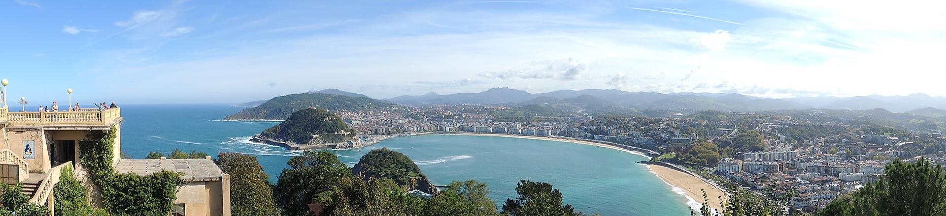 Uitzicht over baai San Sebastian vanaf Monte Igeldo