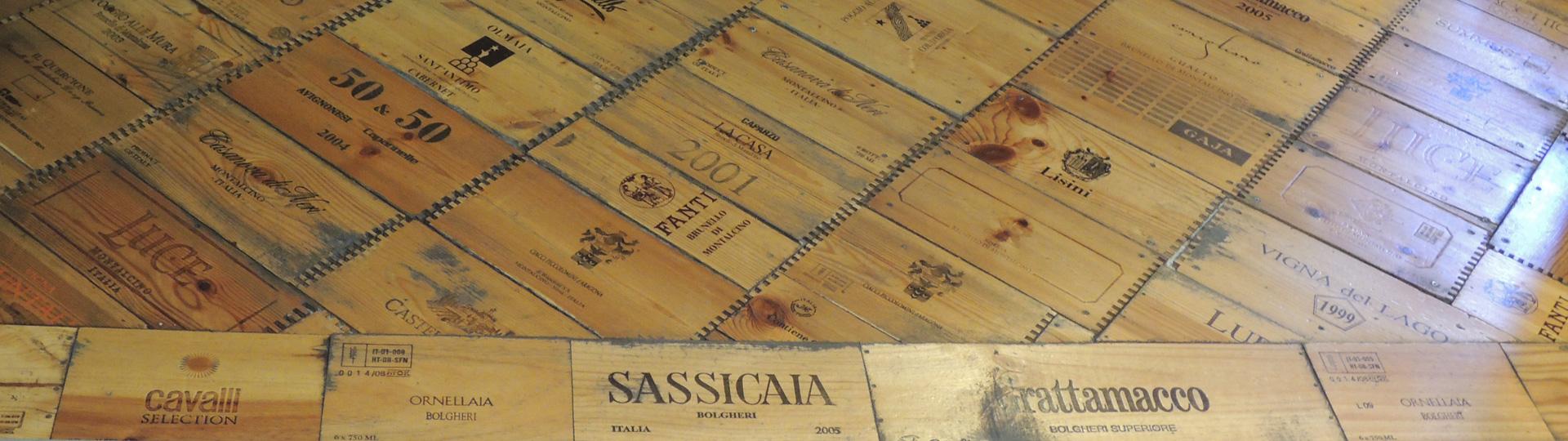 Houtenvloer van wijnkisten in Montalcino